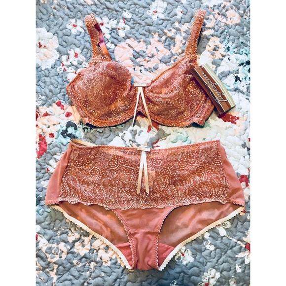 3cbdf232b01d3 Fayreform Intimates & Sleepwear | Coral Bra Panties Set 32dd M ...